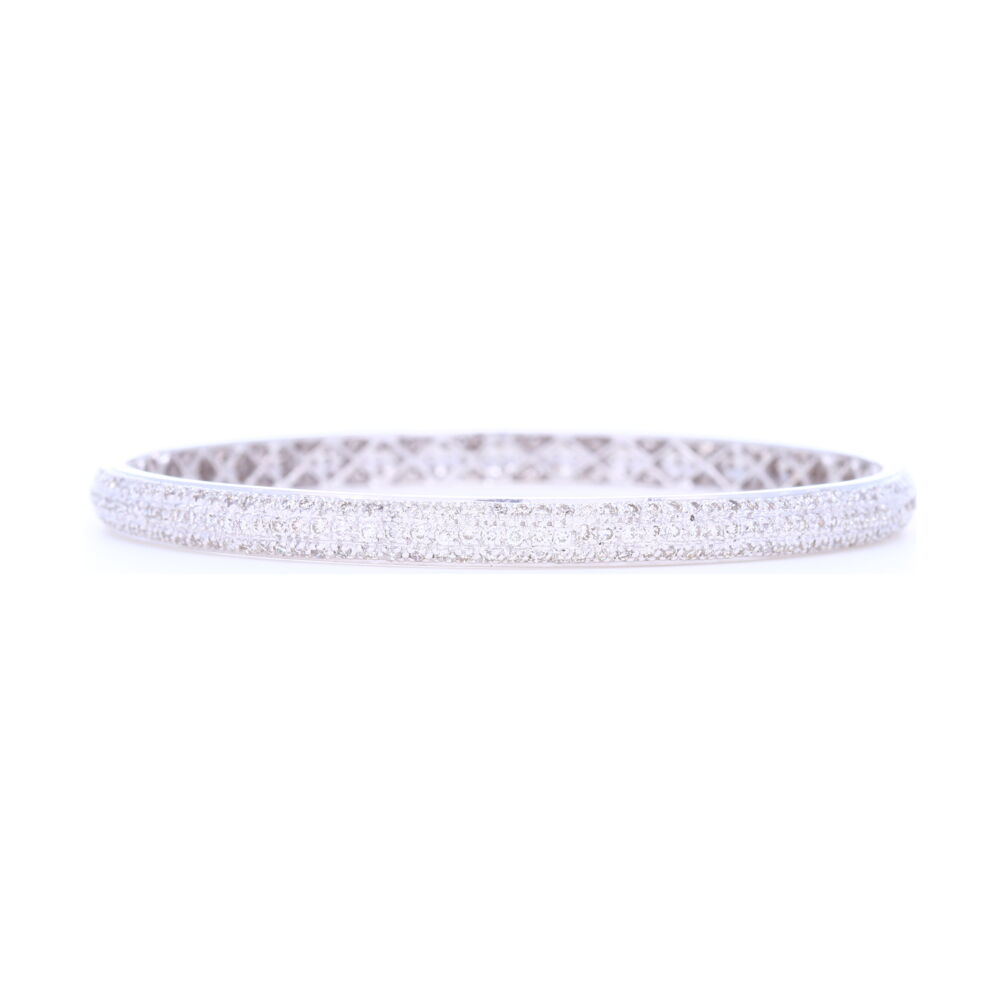 Tyre Bangle Bracelet set with White Diamonds in 18k White Gold