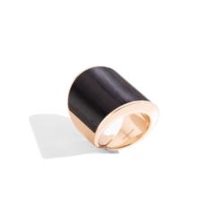 Closeup photo of 18k Rose Gold and Ebony Vague Ring Gran