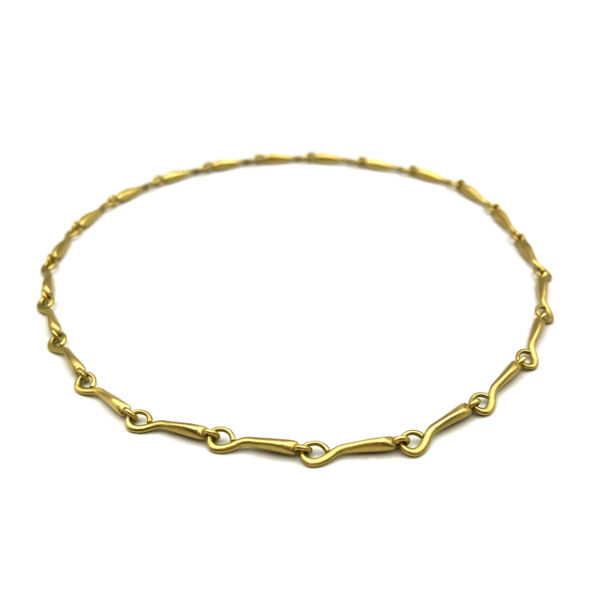 Closeup photo of Amazon Link Necklace   18k   16 in