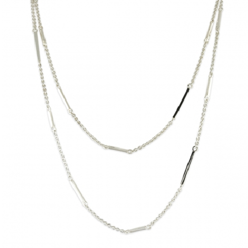 Closeup photo of Long Bar Station Chain Necklace