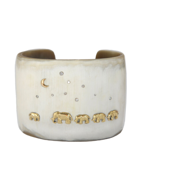 Closeup photo of Classic Horn Tsavo Nights Cuff