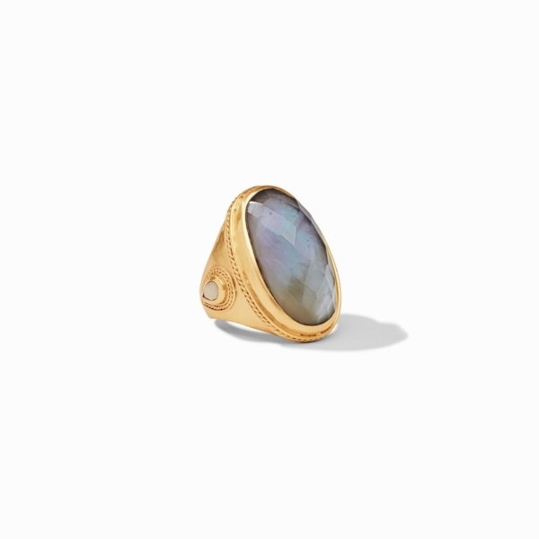 Closeup photo of Cassis Statement Ring