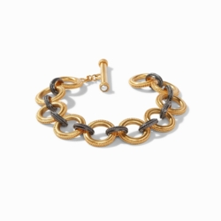 Closeup photo of Verona Link Bracelet