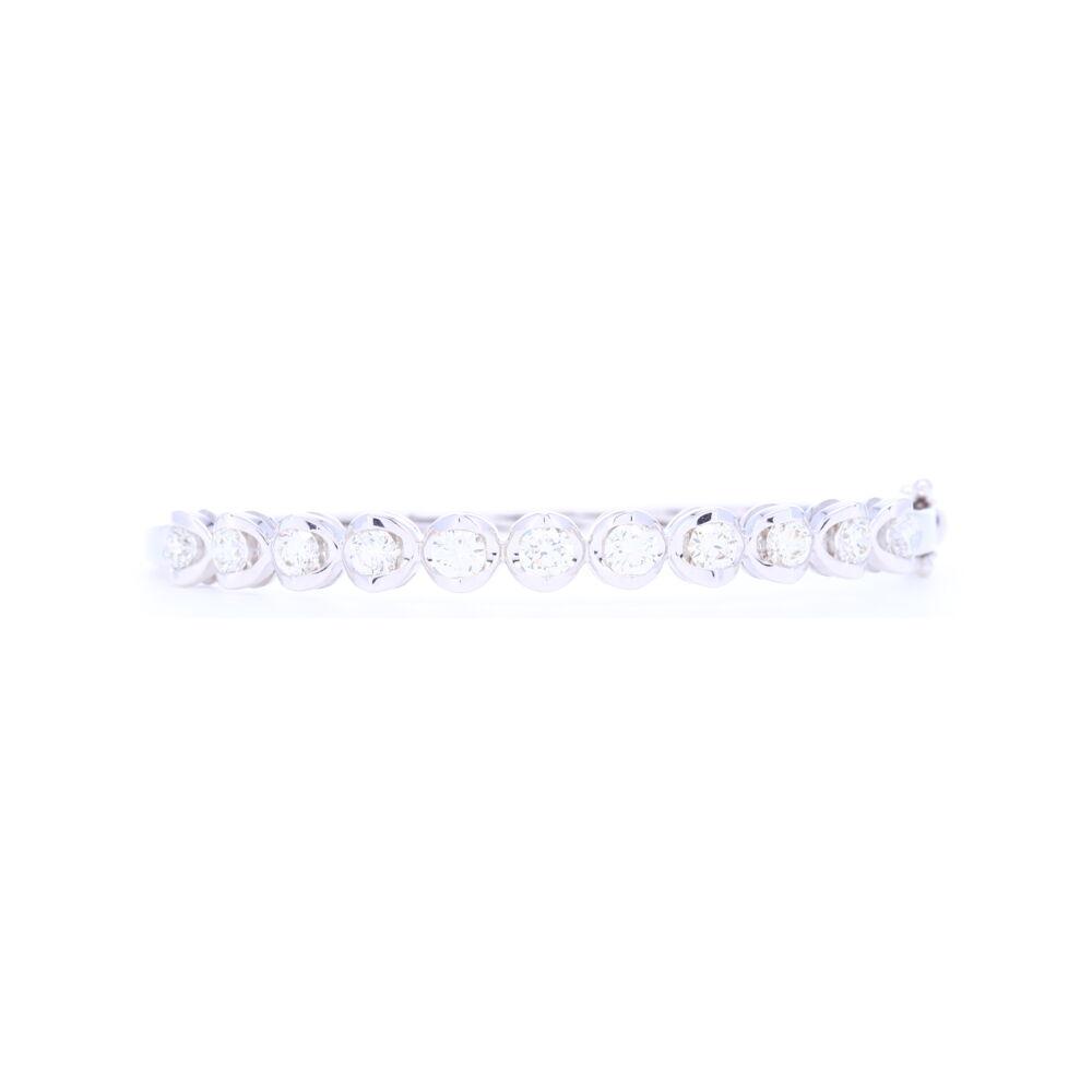 18k White Gold Prong Set Brilliant Cut Diamond Bangle