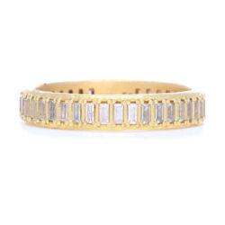 Closeup photo of Sueno 18k Yellow Gold Ring With Diamonds