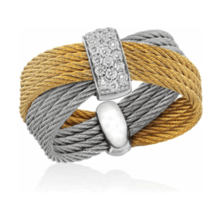 Closeup photo of Classique Criss Cross Bow Ring