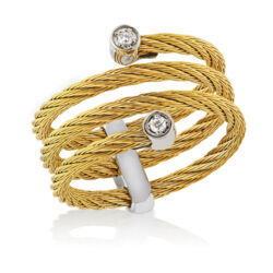 Closeup photo of Classique Wrap Ring