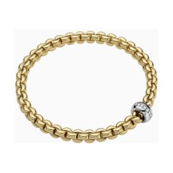 Closeup photo of 18k Gold Eka Flex'it Bracelet with Diamonds 721B BBR