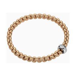 Closeup photo of 18k Gold Eka Flex'it Bracelet with Diamonds 721B BBR