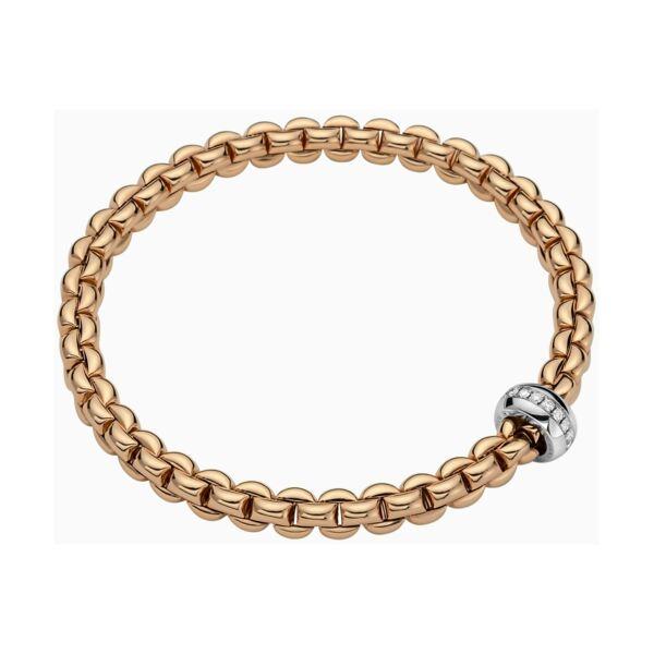 Closeup photo of Eka Flex'it Bracelet with Diamonds