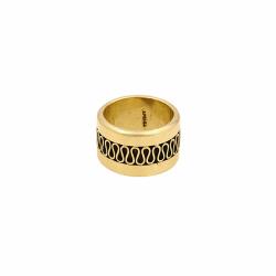 Closeup photo of 18k Harar Ring