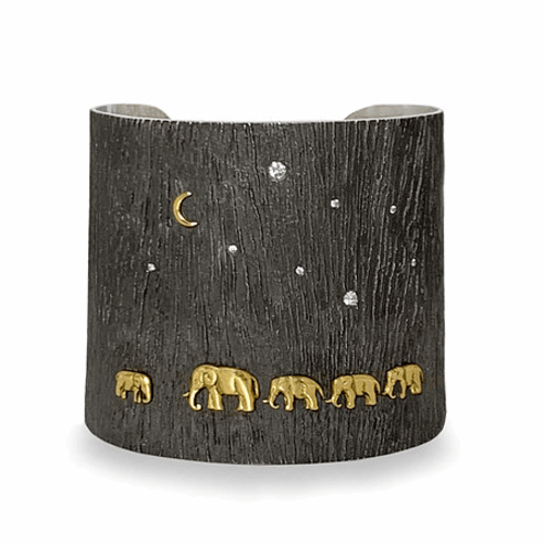 Closeup photo of Tsavo Nights Mid Cuff | shompolecollection