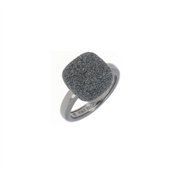 Closeup photo of Prongless Square Cut Polvere Ring Ruthenium Dark Gray Polvere