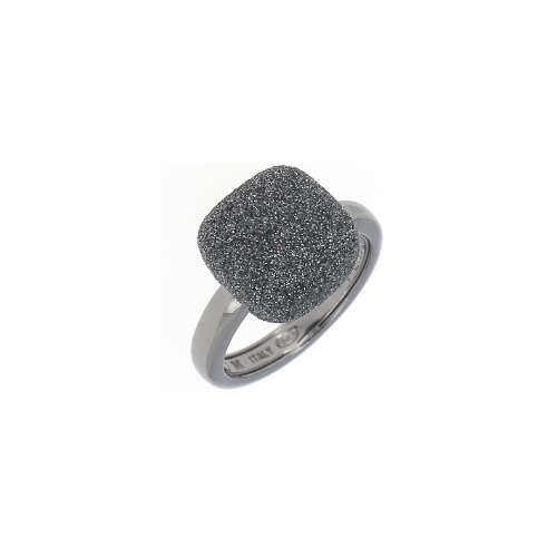 Closeup photo of Prongless Square Cut Polvere Ring Ruthenium Dark Gray Polvere