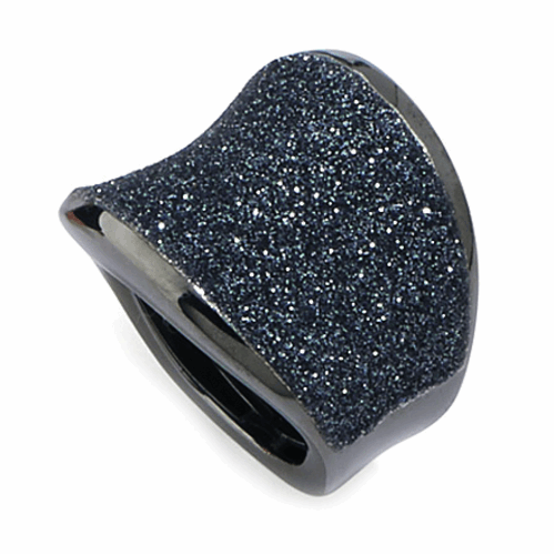 Closeup photo of Small Saddle Ring RUthenium Dark Gray Polvere