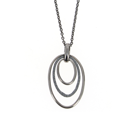 Closeup photo of Polvere Tri Hoop Pendant Short Necklace Rhodium Dark Gray Polvere
