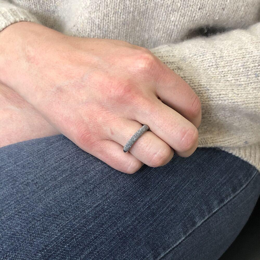 Image 2 for Thin Diamanti Ring