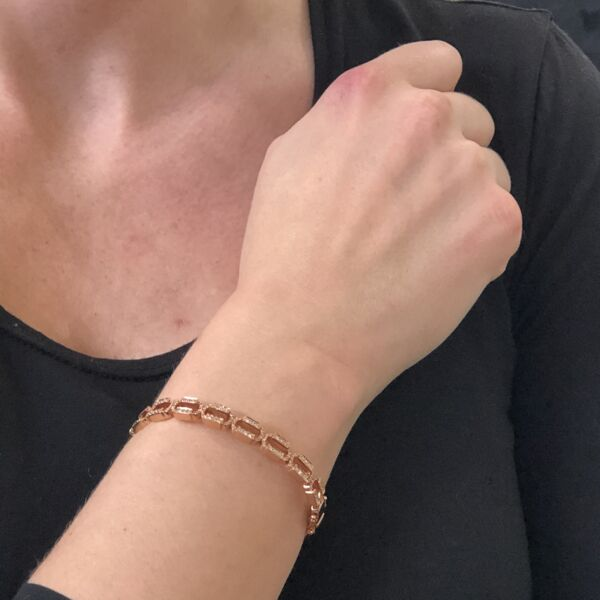 Closeup photo of Chain Link Rose Gold Hinged Bracelet
